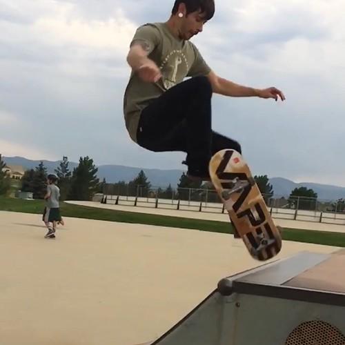 VAPES Skateboard