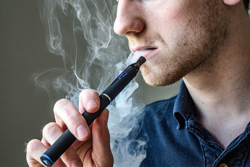 E-Cigarette/Electronic Cigarette/E-Cigs/E-Liquid/Vaping/Cloud Chasing/Vapor/Vaper/Vapour
